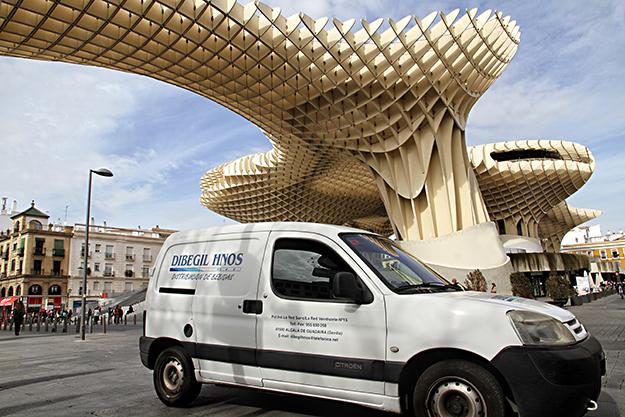Dibegil Hermanos - distribuidora de agua y vino en Sevilla